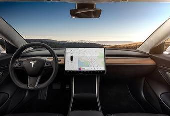 Tesla: een binnencamera voor autodelen #1