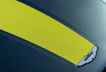 Aston Martin : avec boîte de vitesses manuelle ! #1