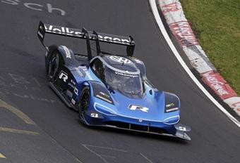 Volkswagen ID.R haalt EV-record op Nürburgring! #1