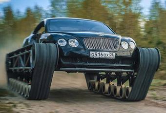 ONGEBRUIKELIJK - Bentley Continental GT op rupsbanden #1