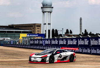 AutoWereld in 's werelds snelste taxi: de Audi E-Tron Vision Gran Turismo #1
