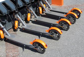 Brussel: regels voor het parkeren van elektrische steps #1