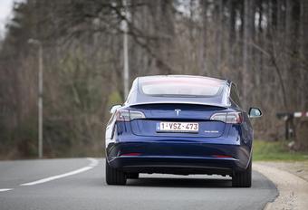 Immatriculations : toujours en baisse, Tesla en forme #1