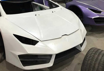 BIZAR - Valsemunters viseren Ferrari en Lamborghini #1