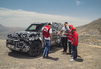 Land Rover Defender 2020: al goedgekeurd door het Rode Kruis #1