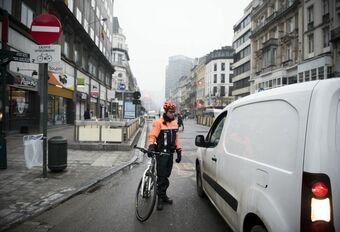 De fietsbrigade kan boetes uitdelen aan onbeschofte automobilisten #1