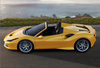 Ferrari F8 Spider: topless Tributo #1