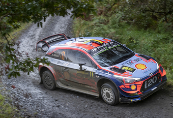 AutoWereld naar Rally Wales (2): Thierry Neuville voorlopig pas vierde #1