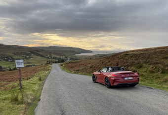 Dans the scottish met een BMW Z4 #1