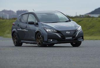 Nissan Leaf à 2 moteurs et transmission intégrale #1