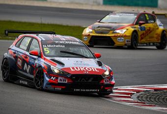 Norbert Michelisz is WTCR-kampioen met Hyundai i30 N #1