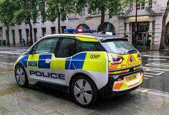 La police britannique critique sa flotte électrique #1