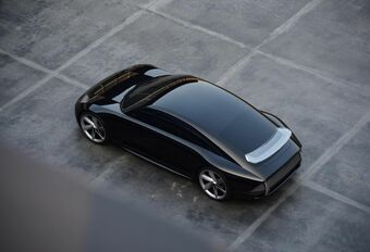 Hyundai Prophecy mixt Tesla met Taycan #1
