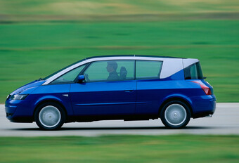 THROWBACK: Renault Avantime (2001 - 2003) #1