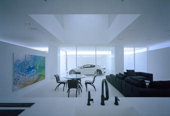 Japanner bouwt huis rond zijn Maserati #1