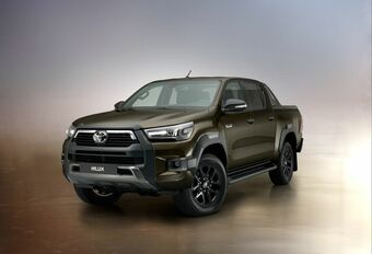 Toyota Hilux : en tenue Invincible #1