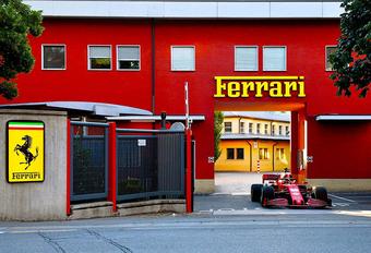 Charles Leclerc maakt Maranello onveilig met F1-wagen #1