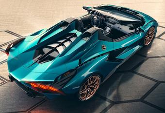Lamborghini blijft trouw aan de atmosferische V12! #1
