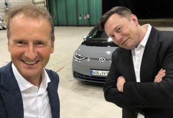 Tesla-baas Elon Musk test elektrische VW ID.3, wat vindt hij ervan? #1