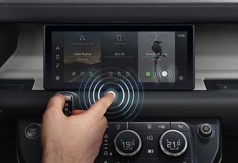 Jaguar Land Rover heeft oplossing voor vieze aanraakschermen #1