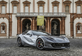 Ferrari roept 812 Superfast terug #1