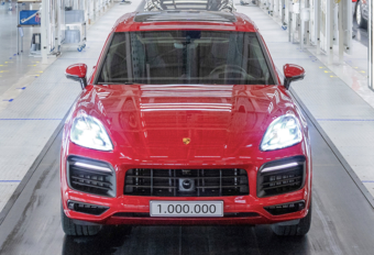 Porsche bouwt miljoenste Cayenne #1