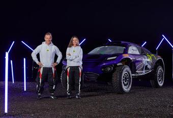 Sébastien Loeb tekent voor Hamilton in Extreme E #1