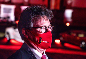 Louis Camilleri, CEO van Ferrari, verlaat zijn post #1
