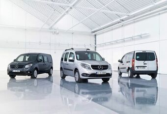 Renault a vendu sa participation chez Daimler #1