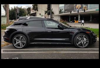 Gelekt: Porsche Taycan Cross Turismo (2021) #1