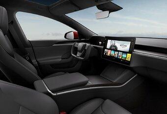 Is dat nieuwe Tesla-stuur wel legaal? #1
