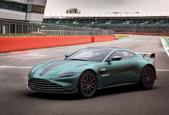 Aston Martin Vantage F1 Edition, version de pointe #1