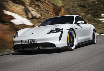 Gratis software-update maakt elektrische Porsche Taycan nog sneller #1