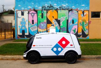 Domino's pizza livre en véhicule autonome #1
