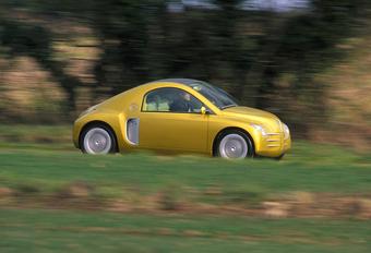 Retour vers le futur avec la Renault Fiftie de 1996 #1