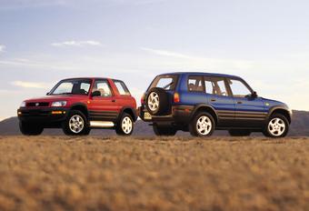 Vintage - 1994 Toyota RAV4: Buiten de lijntjes #1