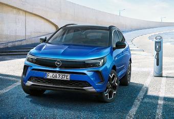 Facelift Opel Grandland krijgt verduisterde Vizor-voorzijde #1