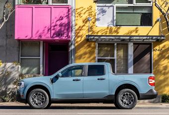 Ford Maverick, un pick-up hybride et compact #1