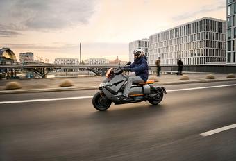 BMW CE 04: elektrische motorscooter van BMW #1