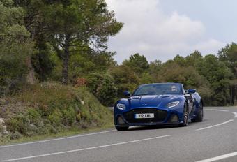 Aston Martin DBS Volante 2021