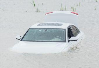 50.000 épaves automobiles dans les inondations #1