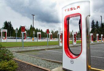 Tesla : superchargeurs ouverts à tous #1