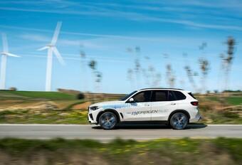 BMW iX5 Hydrogen 2022
