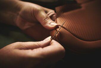 Bentley, 1er constructeur dans le groupe du cuir durable #1