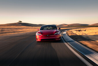 Tesla Model S Plaid verslaat Porsche Taycan op Nürburgring #1