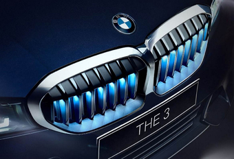 Iconic Glow BMW 3