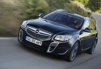 Opel Insignia Sports Tourer OPC #1