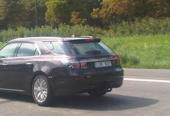Saab 9-5 Estate op de A12 #1