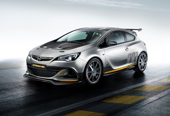 Opel Astra OPC Extreme #1