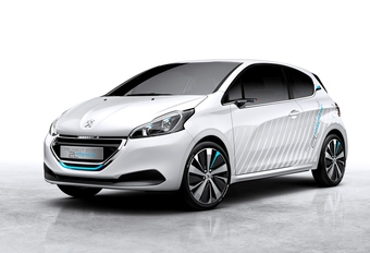 Peugeot 208 HybridAir 2 L à air comprimé #1